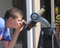 Boy_at_scope_9688_2