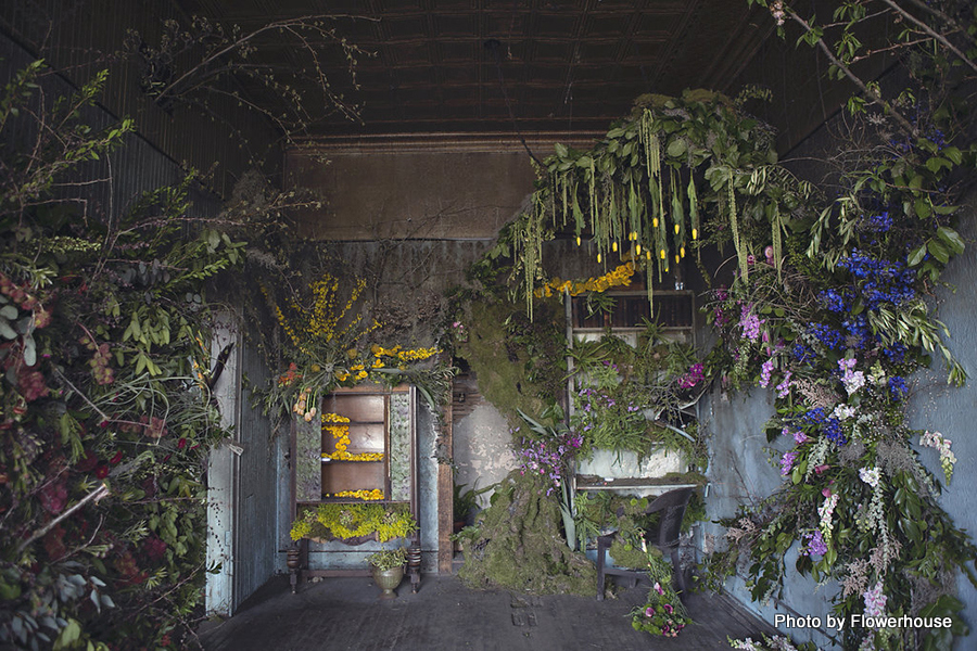 flower-house-decorated