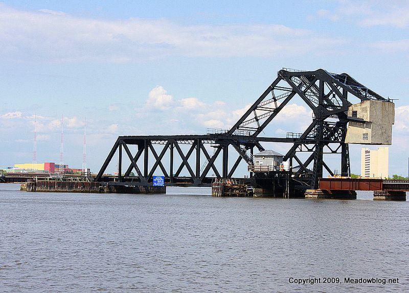 Trunnion bridge
